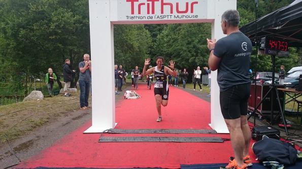 Fati' à l'arrivée de son 1er triathlon M, et pas des moindres!